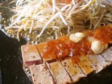 大分県津久見の浜茶屋でランチ!名物「マグロステーキ」と「ひゅうが丼」を食べてきた!