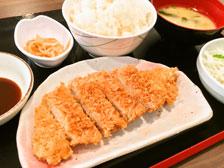 下郡と南大分に500円定食の「ごはん処・喜楽や」がオープン!ロースカツ定食を食べてきた!