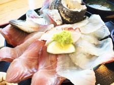 佐賀関のおすすめ海鮮丼ランチ!白木海岸のレストラン(あまべの郷 関あじ関さば館)に行ってきた!