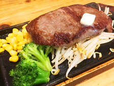 【平日限定】200g1,000円のステーキを「肉食系レストラン10C(ジューシー)本店」で食べてきた![大分市津守]