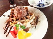 ワッフルがオススメ!人気の隠れ家的カフェ「cafe珈琲 ES+sense」に行ってきた![大分市葛木]