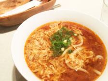 大分市府内町にオープンした「UDON CAFE 椿茶屋」で辛玉うどんを食べてきた!