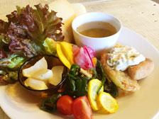 「Yadokari cafe(ヤドカリカフェ)」でランチを食べてきた!無農薬野菜を使った人気の古民家カフェ![大分市城原]