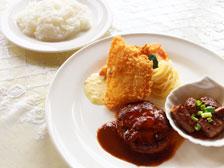 大在の老舗洋食屋さん「もん・しゃとう」が2018年7月1日で閉店するらしい。