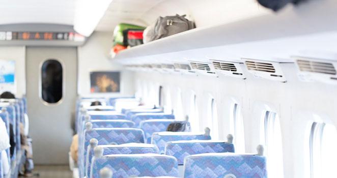新幹線の荷物棚画像