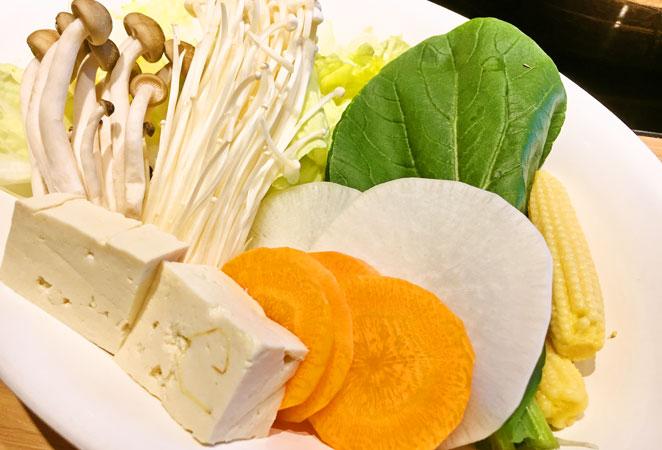 MKレストラン 野菜 画像