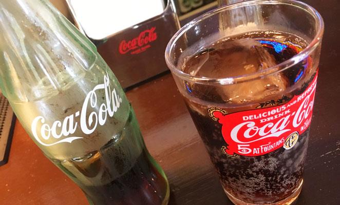 瓶コーラ 画像