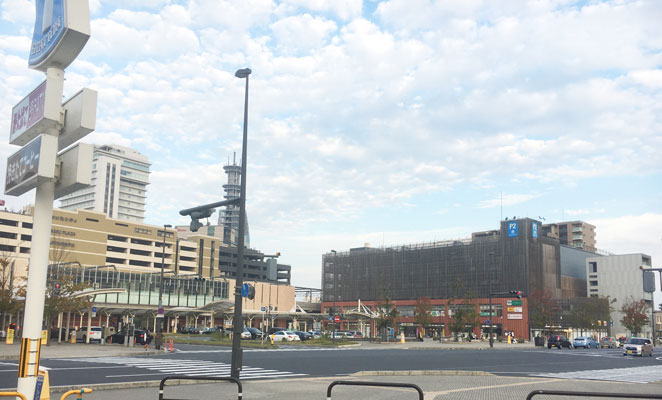 大分駅南口広場の画像
