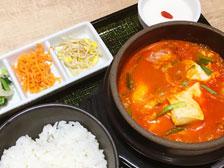 東京スンドゥブの定食画像