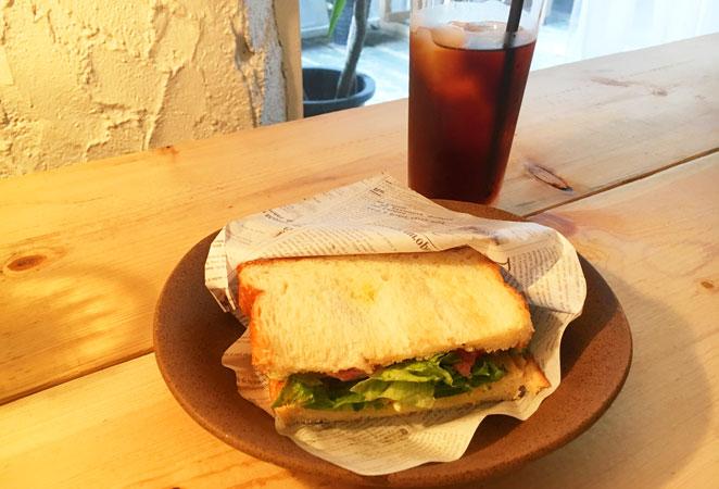 ABEM ABETHI COFFEEのローストビーフサンドイッチ画像