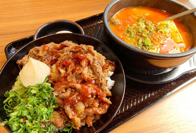 韓丼 大分中島店のカルビ丼とスン豆腐
